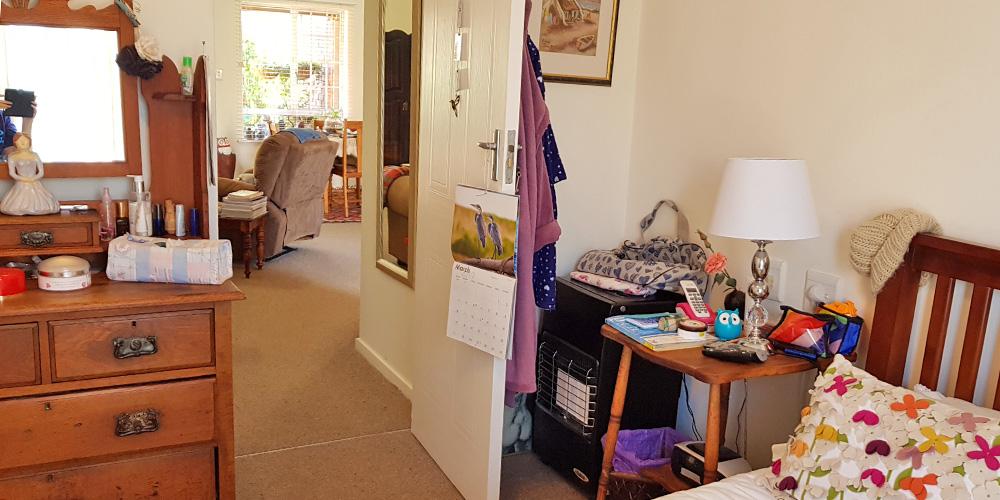 Bedroom to Lounge - 1 Bedroom House Bergville Retirement Village