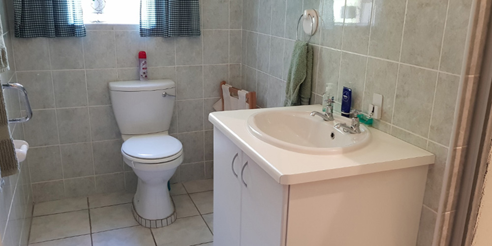 Bathroom 2 - 2 Bedroom House Bergville Retirement Village